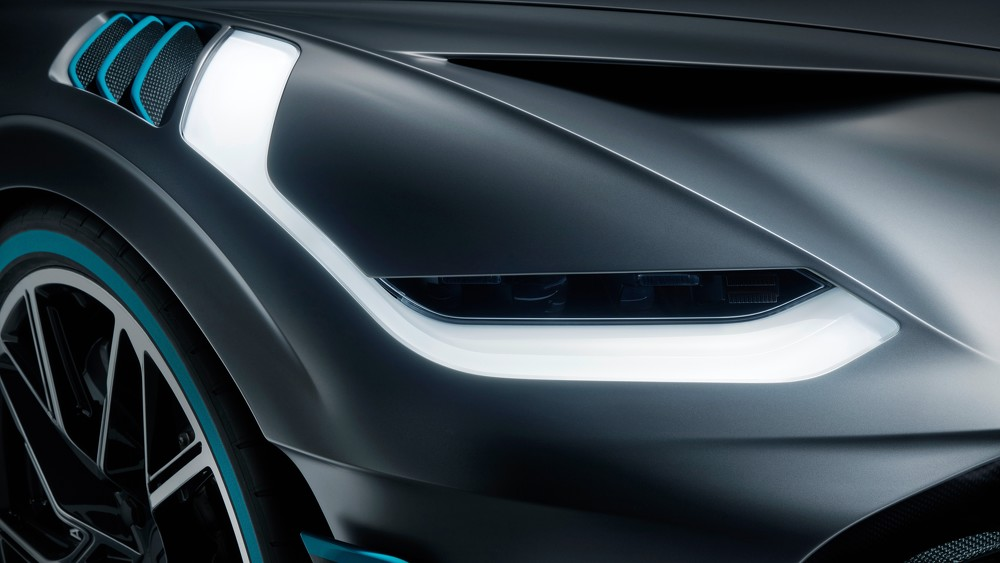2019 Bugatti  Divo Led Headlights  4K UHD
